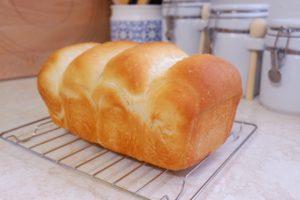 膨らむパン